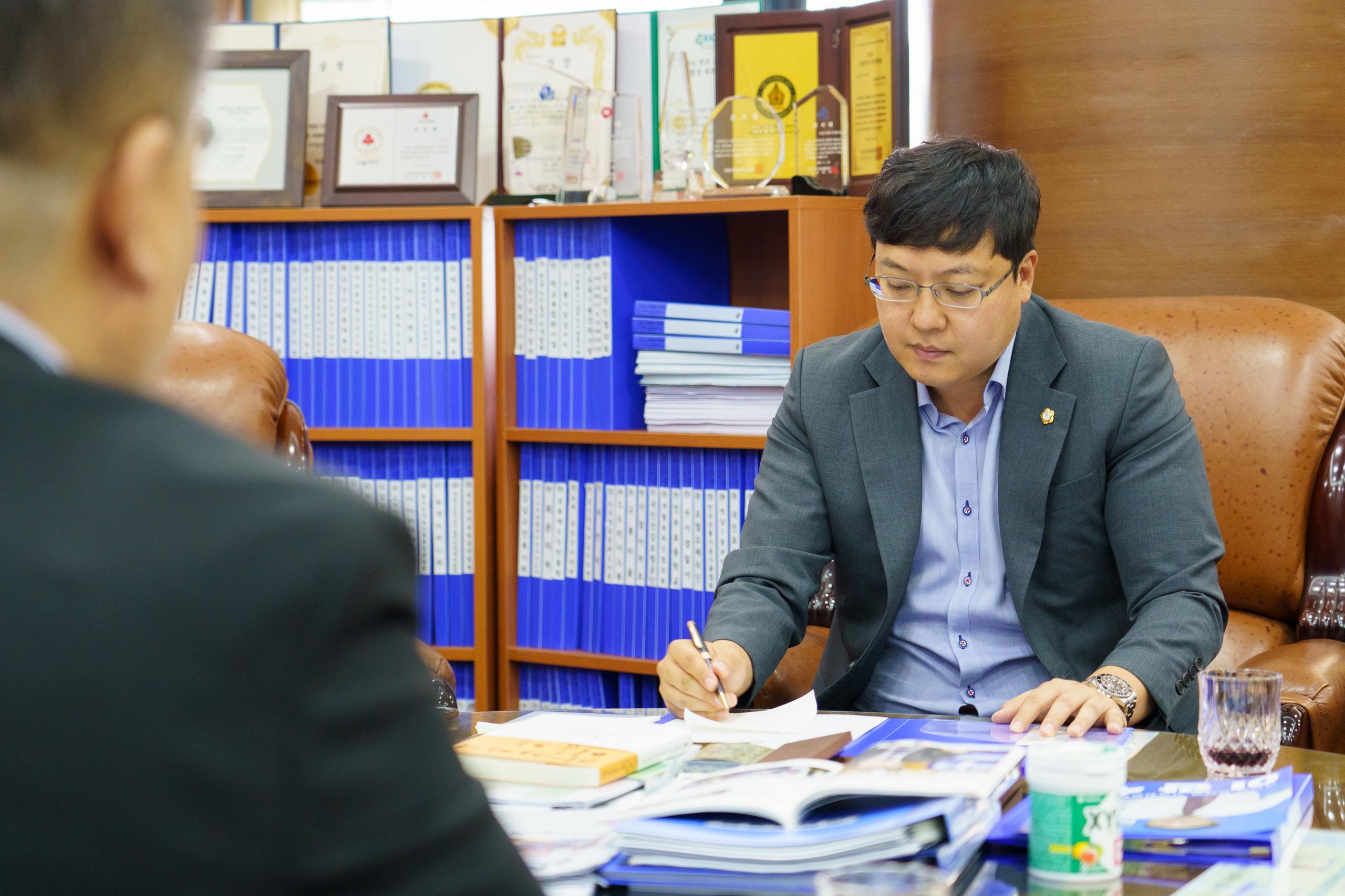 강남구도시관리공단 노동조합장 내방 DSC00045.jpg